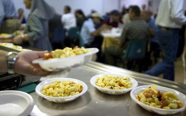 Pizzo, riprendono raccolta alimentare e distribuzione di pasti caldi
