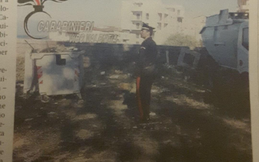 Incendiati cumuli di rifiuti. Sequestrato l'ex mattatoio