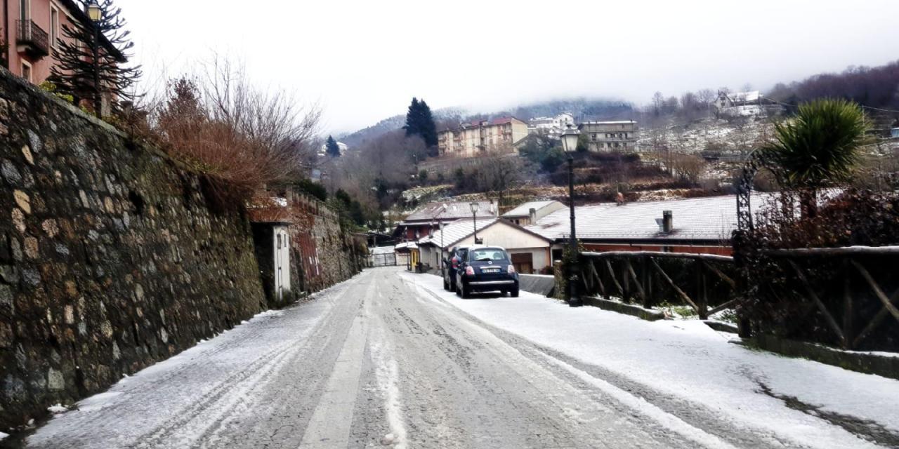 Temperature in picchiata nell'entroterra vibonese, scuole chiuse per neve in diversi centri