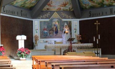 Tenta di stuprare una donna in chiesa, arrestato 34enne