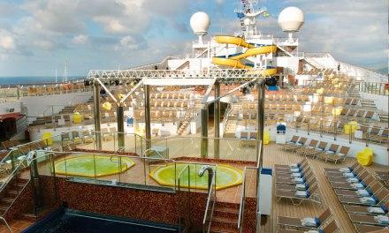 Coronavirus, in mare con malati a bordo. L'incubo dei marittimi di Pizzo: «Fateci sbarcare»