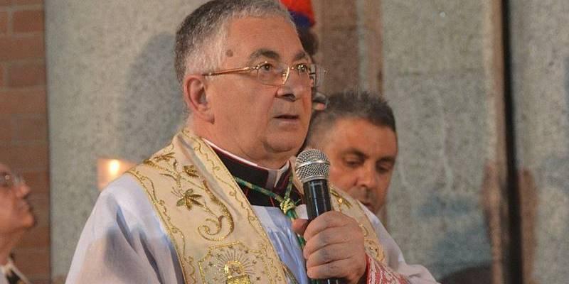 Funzioni religiose, le precisazioni del vescovo Renzo sulle modalità