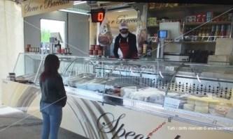 Il dramma di un gelataio di Pizzo: «Schiacciati dalle tasse, la Regione ci aiuti»