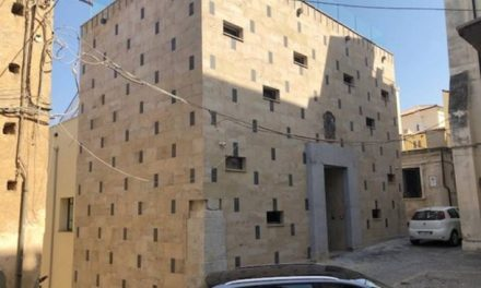 Pizzo, terminati i lavori del nuovo Palazzo dell'arte e del teatro – Foto