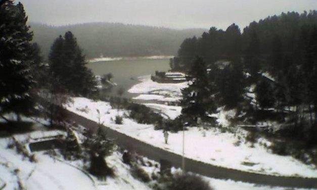 Risveglio con la neve in Sila: altopiano imbiancato e temperature a picco – il Lametino.it