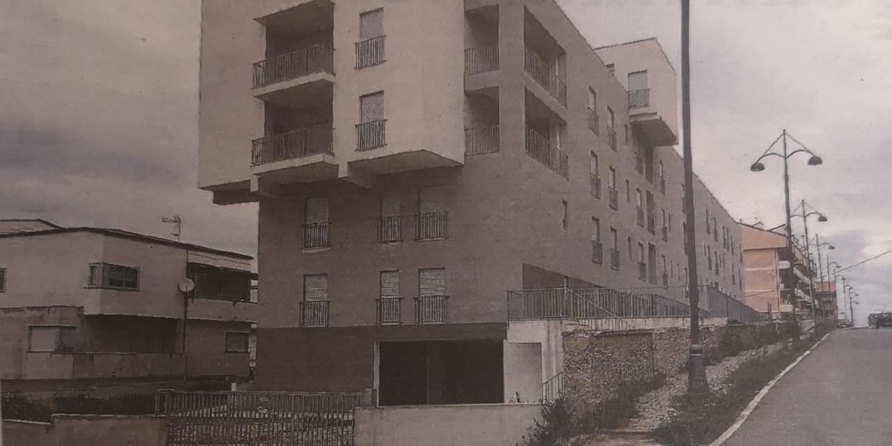 25/04/21. Pizzo, alloggi popolari di via Pieta'. L'Aterp denuncia alla Procura la Ditta