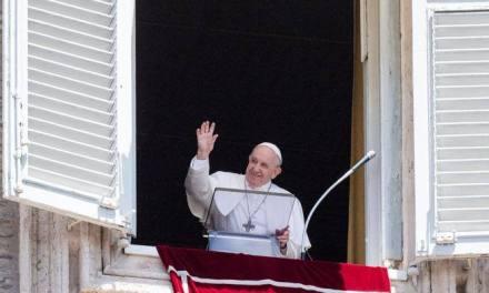 Il Papa: «La malattia più grave? Non è il Covid, ma la mancanza d'amore»