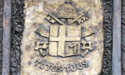 Le meravigliose opere dello scultore Cianci Carmine di Corigliano Calabro, autore del monumentale portone della Chiesa di San Francesco di Paola di Pizzo e della porticina laterale.