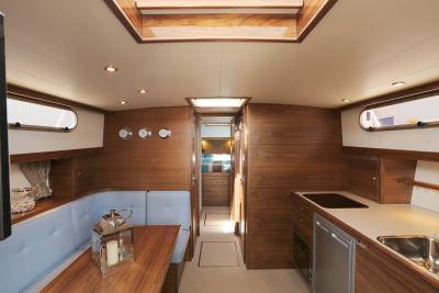 VED1230_cabin_03
