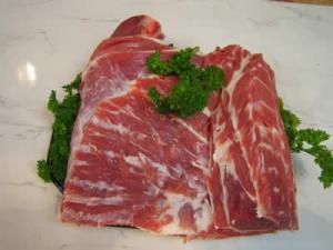 Full Shoulder of Lamb (Bone In)