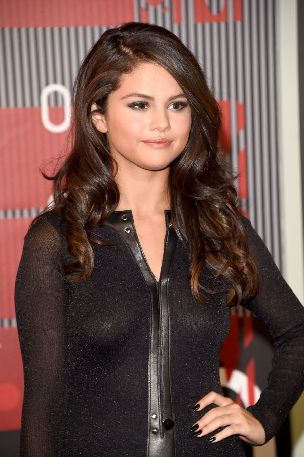 Selena Gomez Height And Weight Stats - Pk Baseline