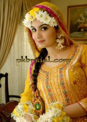 latest mehndi ladies dresses