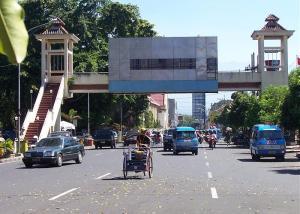 jembatan penyeberangan malang