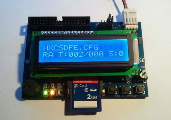 Un lecteur de carte SD modifié pour émuler des disquettes 3.5 pouces