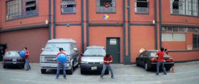 [Video] Big Blue Ball Machine