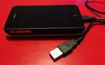 Le câble USB fourni pour charger le clavier