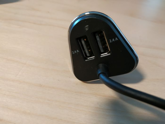 Test du chargeur voiture 4Smarts avec double USB sièges avant et double USB sièges arrière