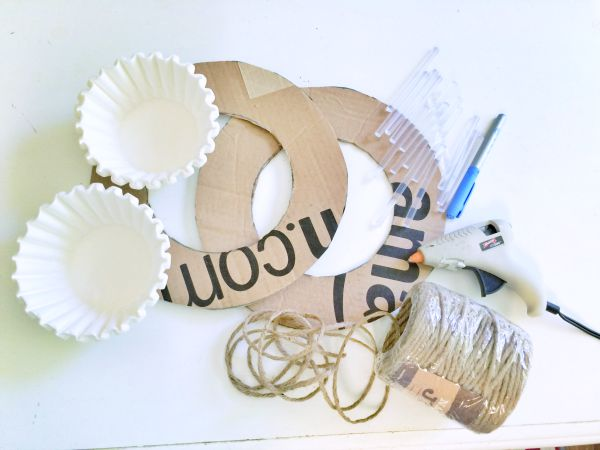 Coffee Filter Wreath supplies