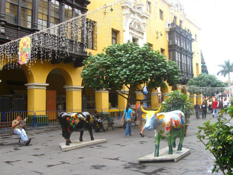 Lima, ciudad de arte e historia. Lima, a city of art and history. Photo credit, placeOK