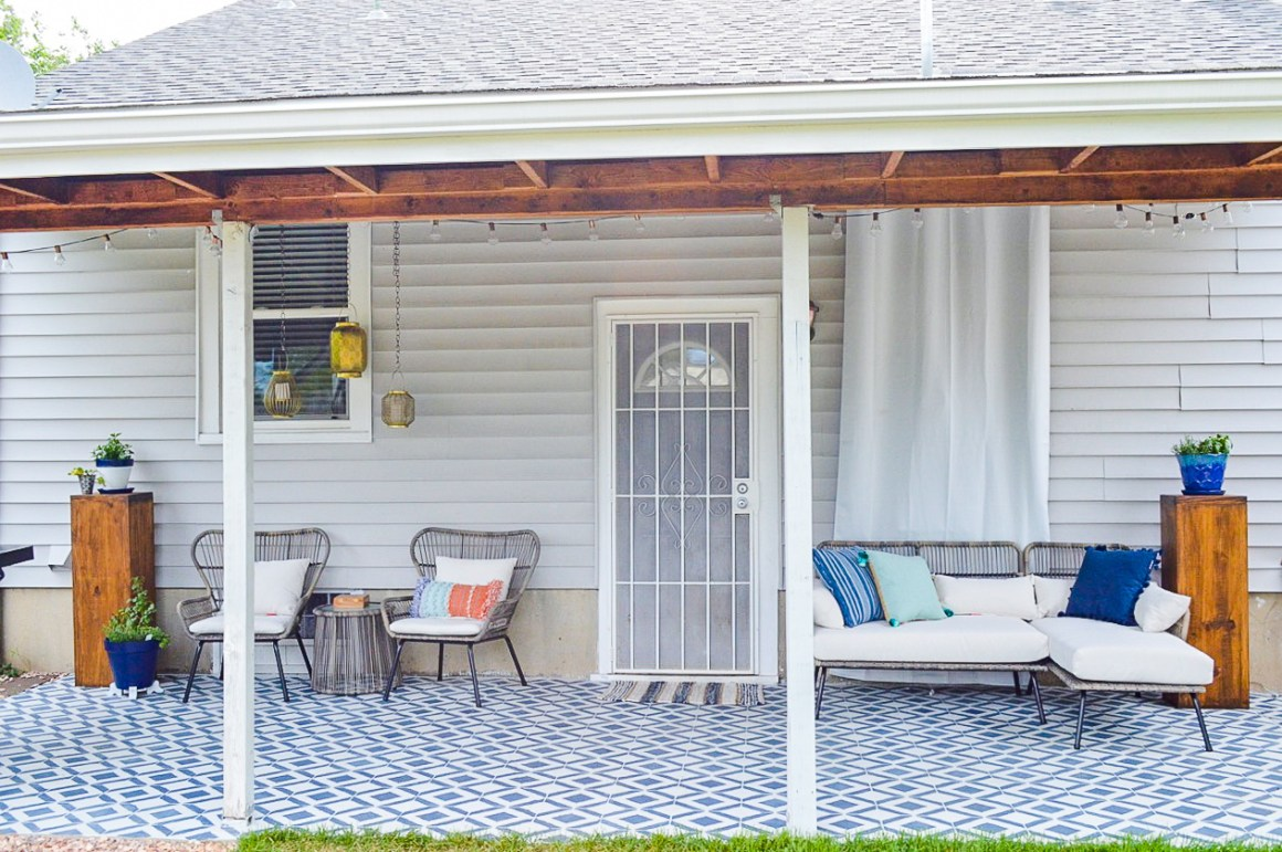 modern moroccan patio decor | plaid & paleo