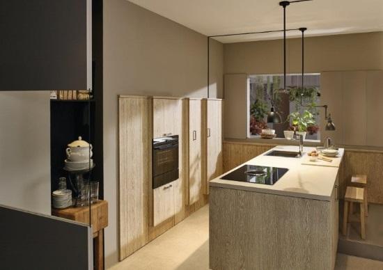 Ergonomische Küche mit Kochinsel