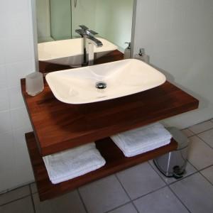 salle de bain plan de travail bois
