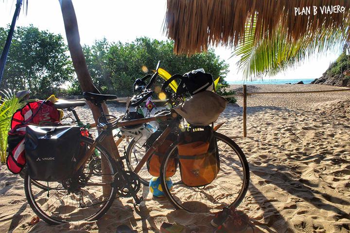 plan b viajero, viajar en bicicleta, cicloturismo en México, bici de bambú