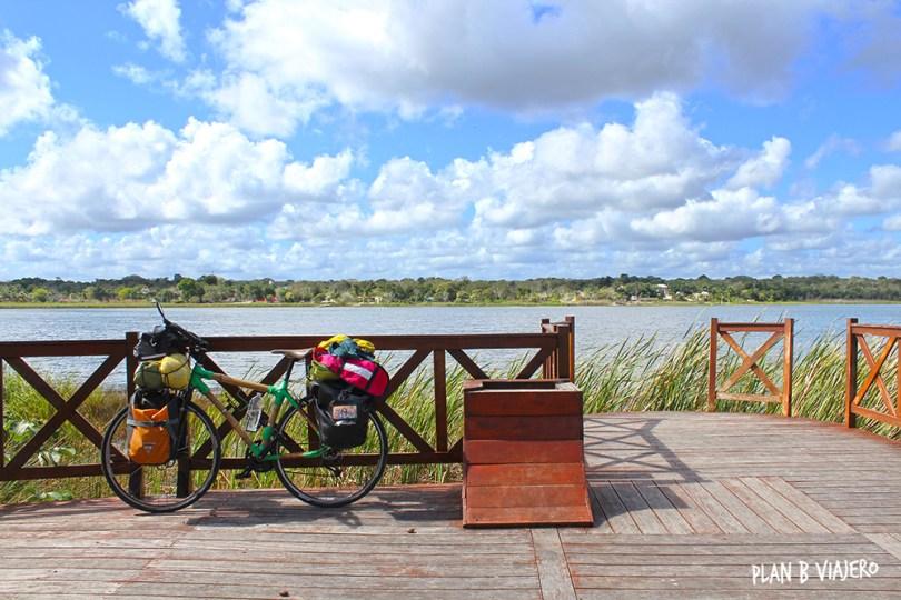 plan b viajero, Península de yucatán en bici, Cobá, Laguna de Cobá , viaje en bici de bambu