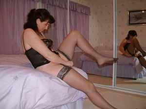 Femme cougar dieppoise fantasme sur un partie de sexe brutal