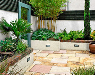 PLAN EDEN Small Shady Courtyard Garden Design With Water Feature