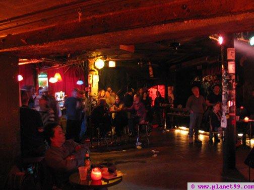 Chicago  Elbo Room with photo via Planet99
