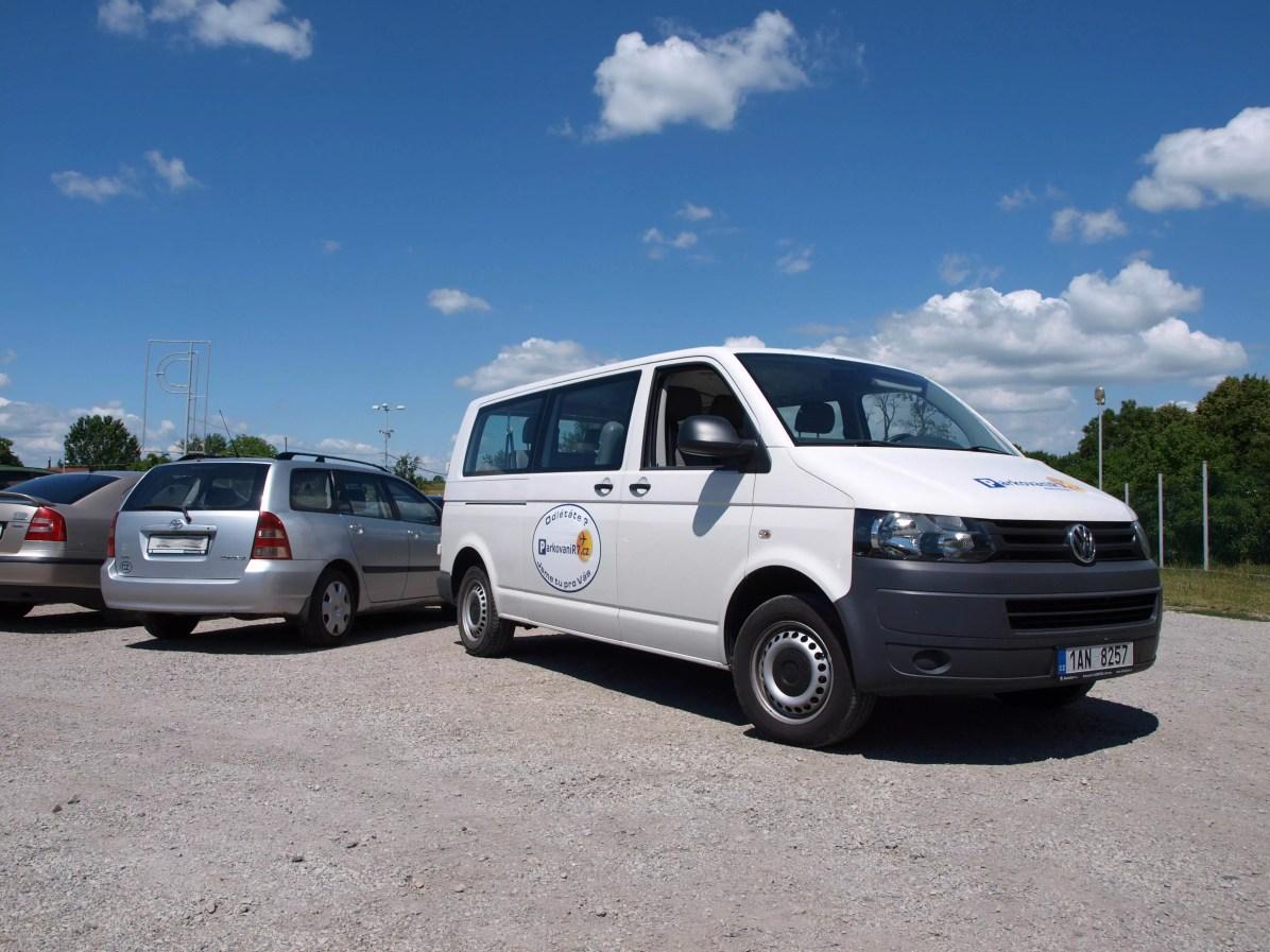 Kapacita parkoviště je více než 120 automobilů - vždy zaparkujete