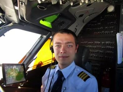 Autor článku v kokpitu Boeingu 737-800
