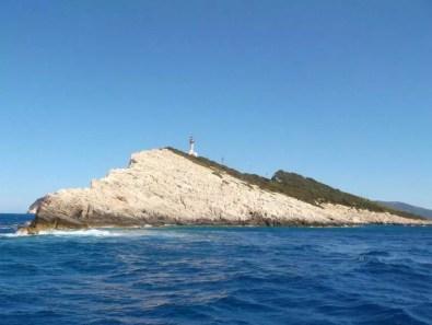 Mys Doukato (pohľad z lode)