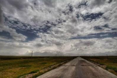 Silnice M41 směřující do Pamíru