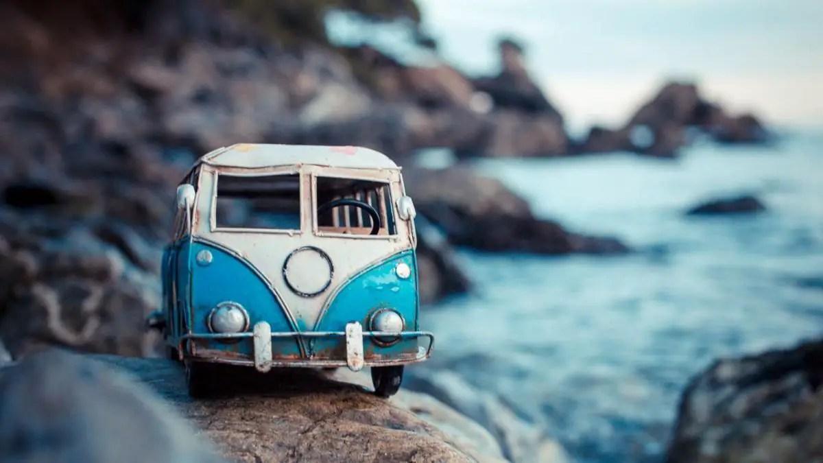 Carros en miniatura sumamente adorables fotografiados en