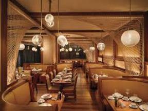 Restaurante del hotel Royalton de Nueva York diseñado por Philippe Starck.