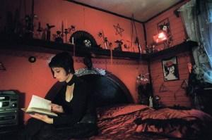 Dormitorio estilo gótico