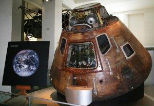 Cápsula del Módulo de Comando del Apolo 10 que amerizó en 1969