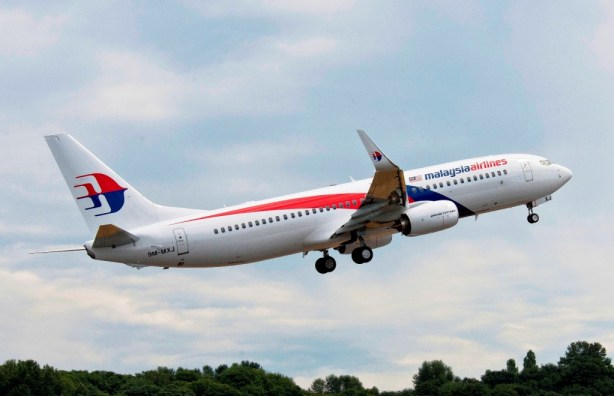 Malaysia Airlines receives 75th Boeing 737 aircraft with bright new livery