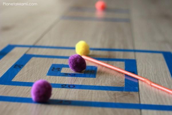 Joc strategic cu pompoane
