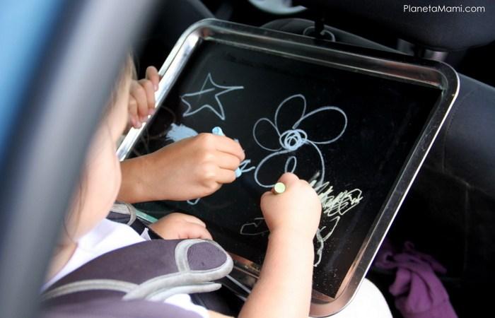 Activitati pentru calatoriile lungi cu copiii mici