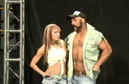 Alexa Bliss y Scott Dawson novios