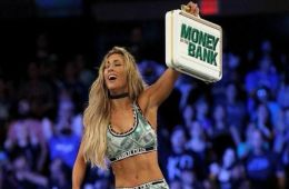 Carmella establece el record con el maletín Money In The Bank