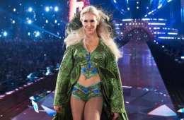 Charlotte Flair está decepcionada por no enfrentar a Lita o Trish Stratus en WWE Evolution