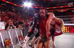 Dolph Ziggler y Drew McIntyre retienen los campeonatos por parejas de RAW en Hell in a Cell