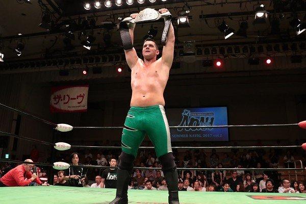 Eddie Edwards nuevo campeón en Pro Wrestling NOAH