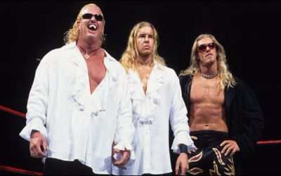 WWE Noticias Edge y Christian en The Brood