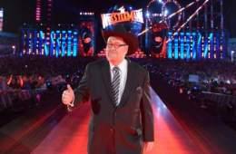 Jim Ross dice que combates por los campeonatos femeninos de WWE pondría en Wrestlemania