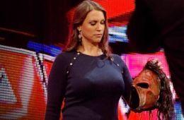 Seis veces en las que se ha desenmascarado a Kane en WWE